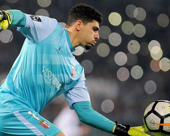 O goleiro em ação pelo Sporting Braga