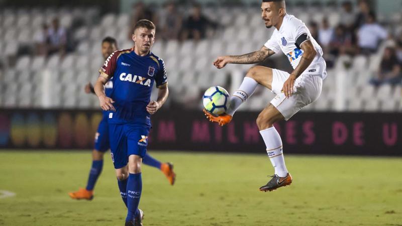 Time do Ceará contou com um Castelão lotado, recorde de público no Brasileirão, mas não deu a resposta dentro de campo.