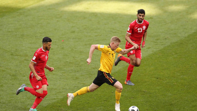Muitos dos problemas defensivos da Bélgica passam pelo comportamento de De Bruyne sem a bola.