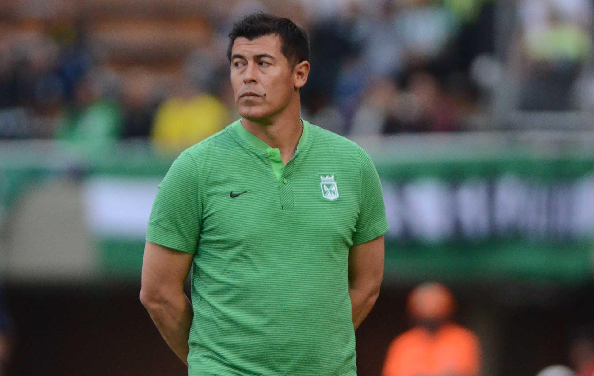 Depois de levar o Lanús para final da Libertadores, Almirón segue a linhagem de Osorio, Rueda e Lillo com time que gosta de propor.