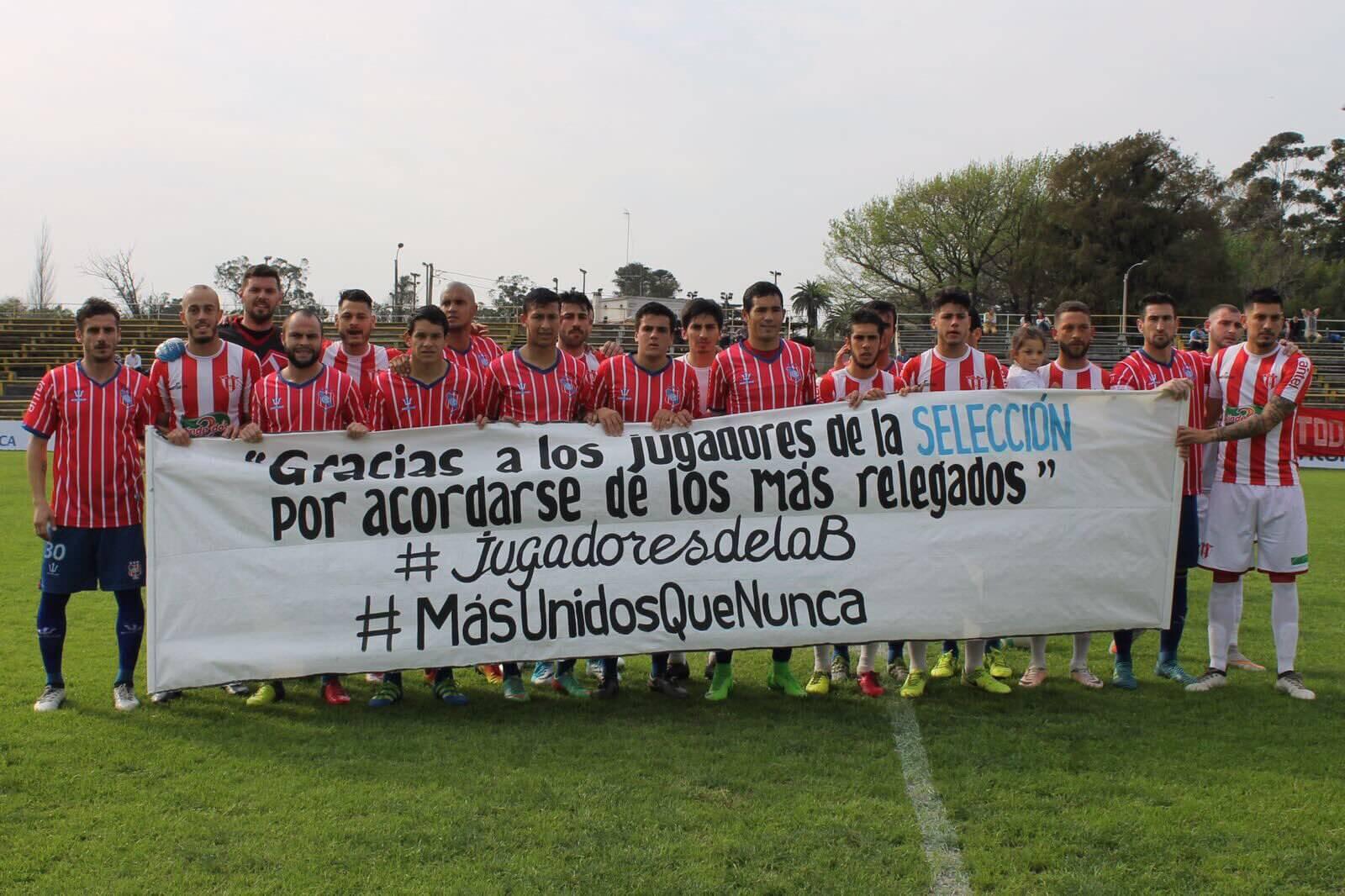 Jogadores de divisões inferiores do Uruguai também protestam por melhorias (Reprodução: Twitter: @MUQN_UY)