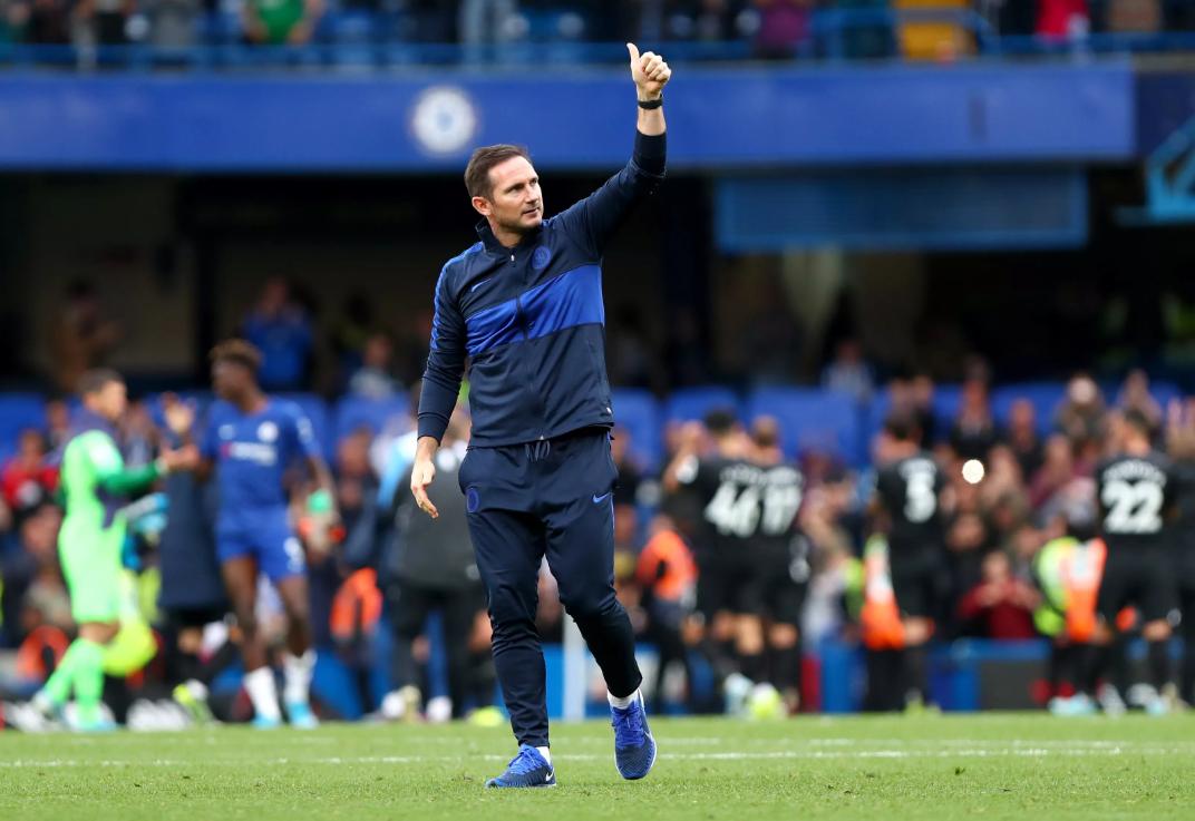 Ao contrário de Sarri, Lampard transforma o Chelsea para melhor