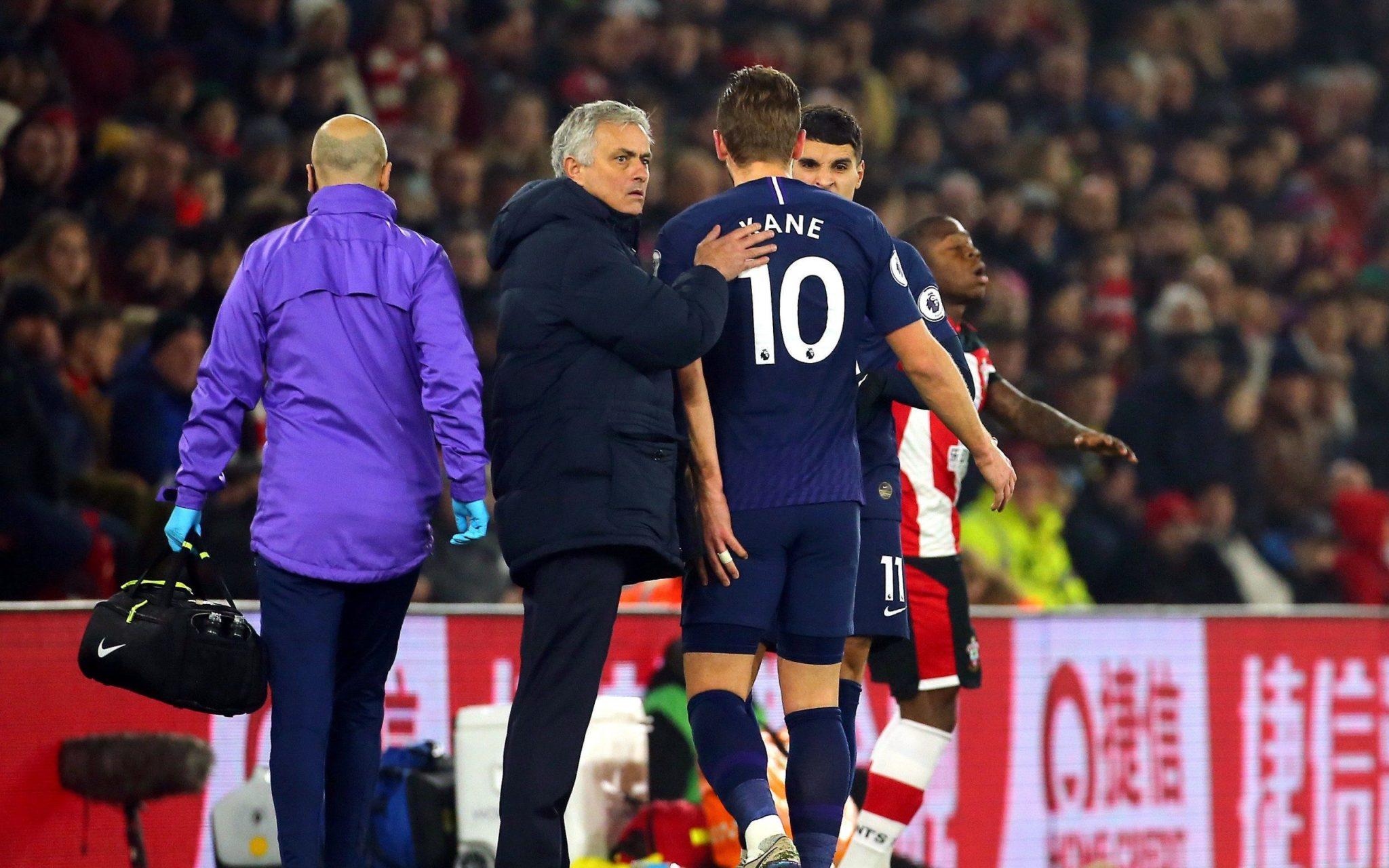 Os problemas de José Mourinho no Tottenham