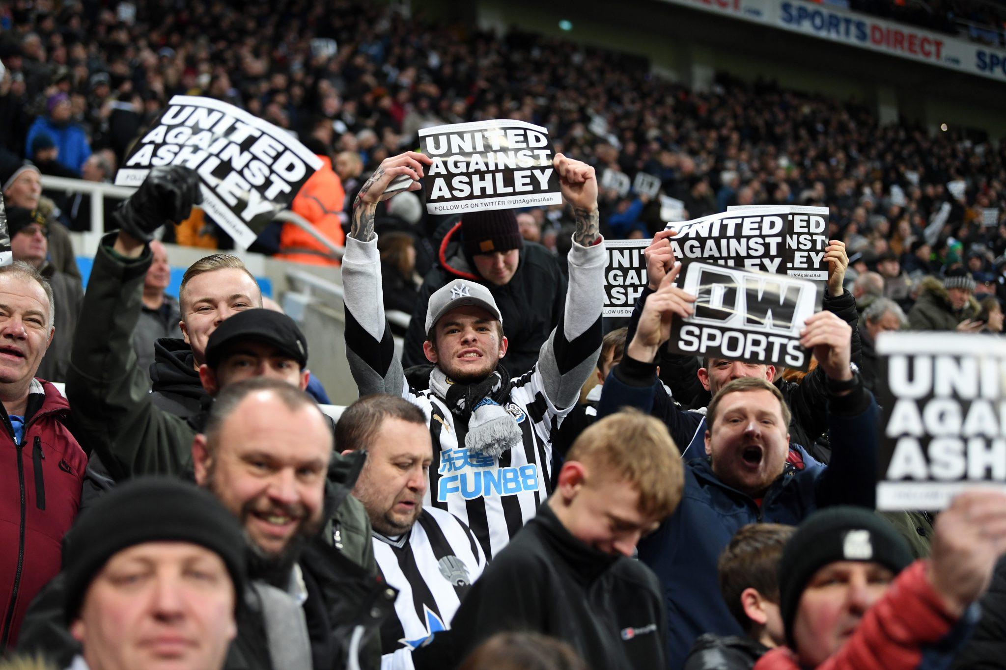 Mike Ashley e o caminho do Newcastle até a irrelevância