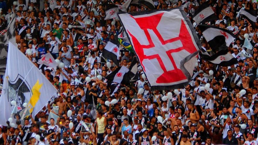 A influência da torcida no futebol brasileiro
