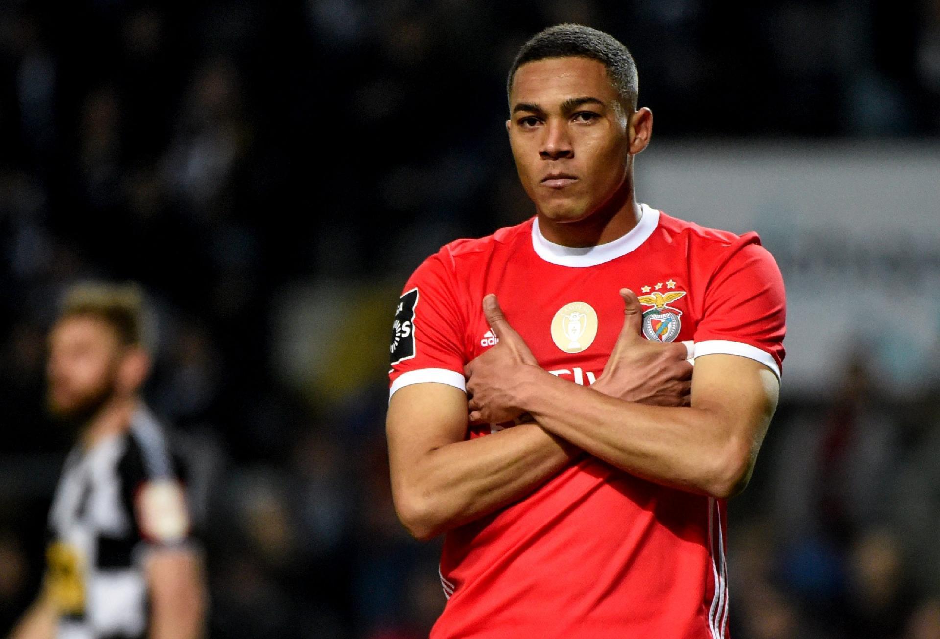 Carlos Vinícius, o centroavante de Jorge Jesus no Benfica?