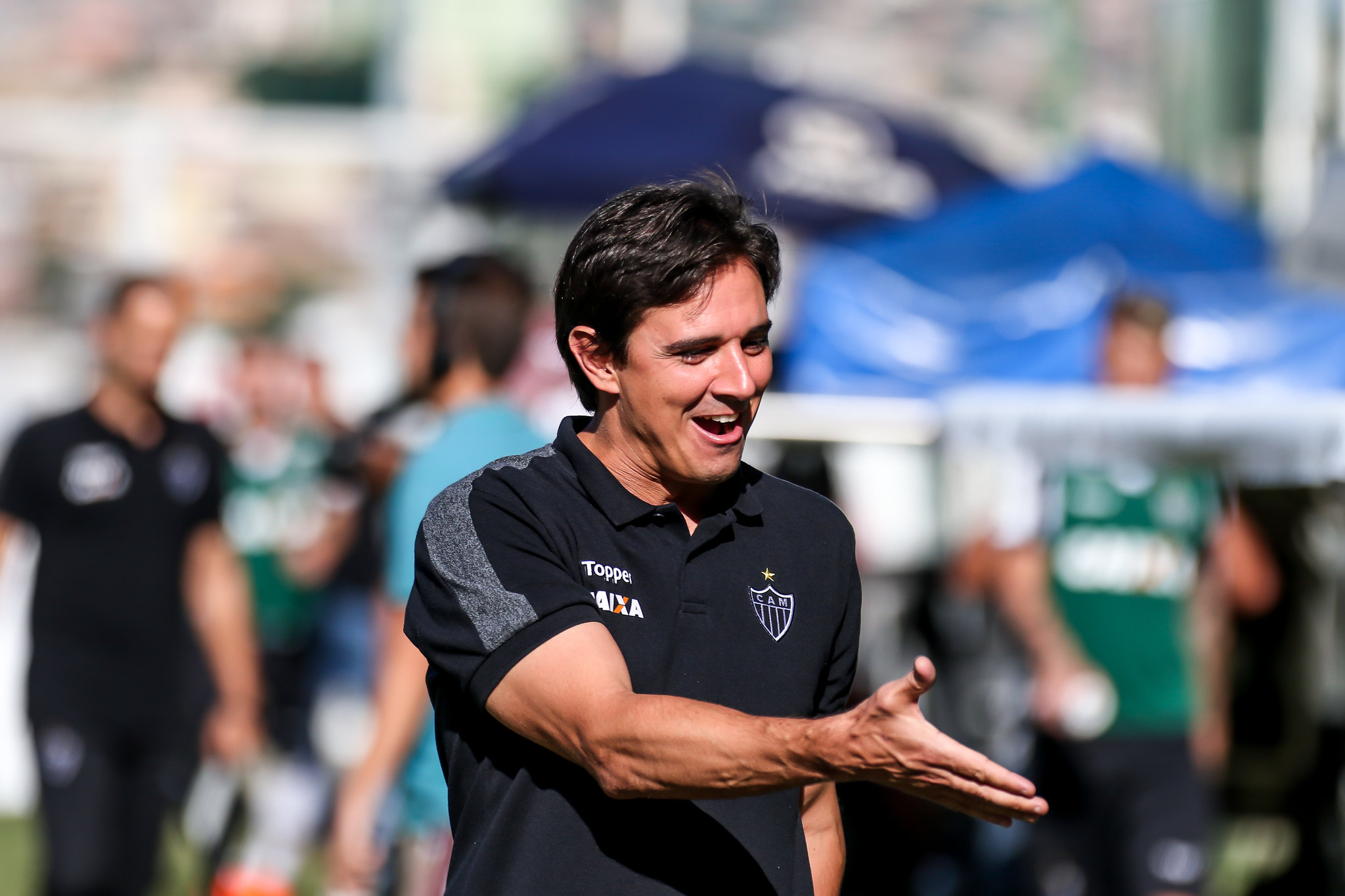 """Thiago Larghi: """"O brasileiro está perdendo a soberba de achar que era quem mais entendia de futebol"""""""