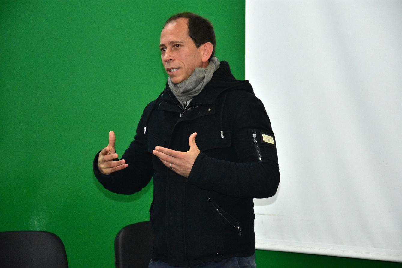 Após sucesso na Itália, Adailton Martins foca na carreira de treinador e tem suas ideias claras sobre futebol