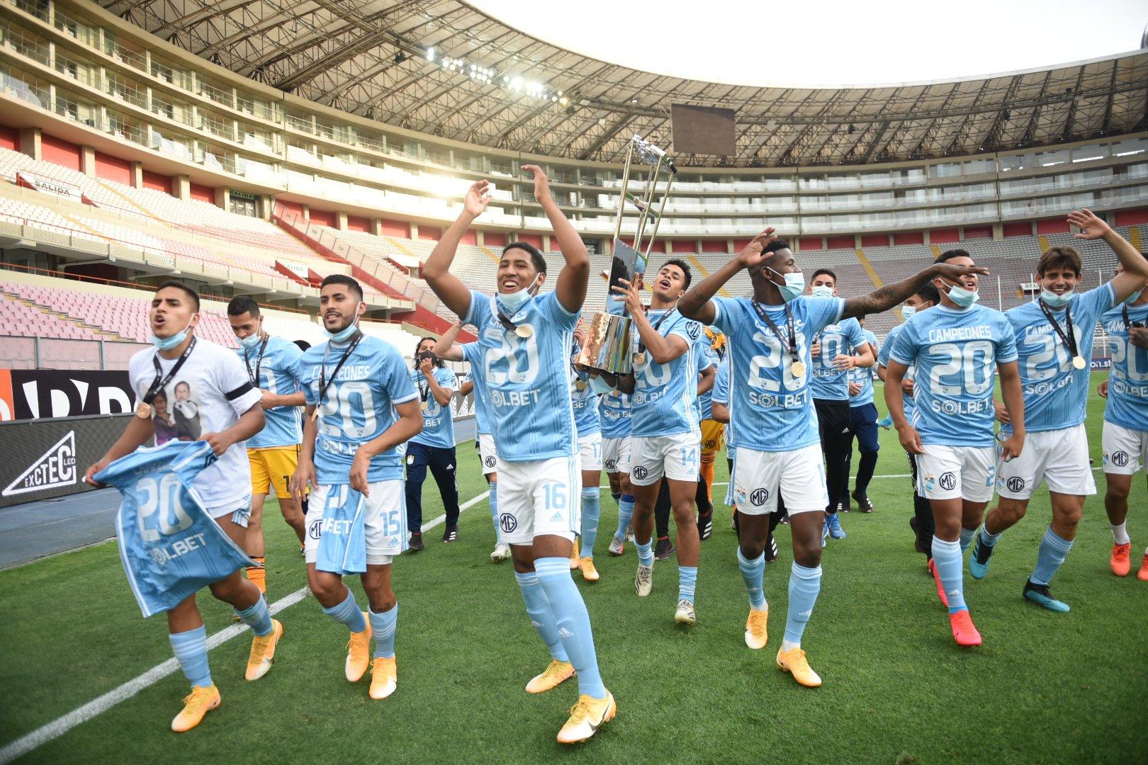 O sucesso do Sporting Cristal no equilíbrio entre experiência e juventude