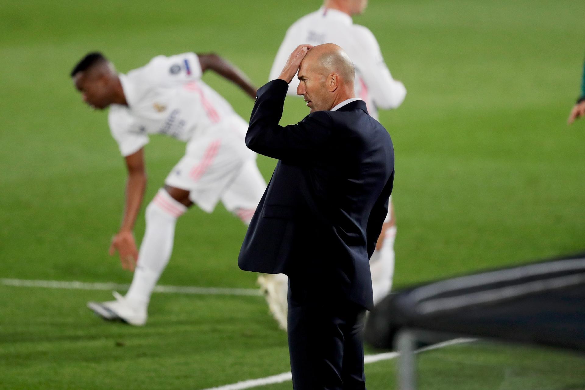 O oscilante Real Madrid busca um caminho