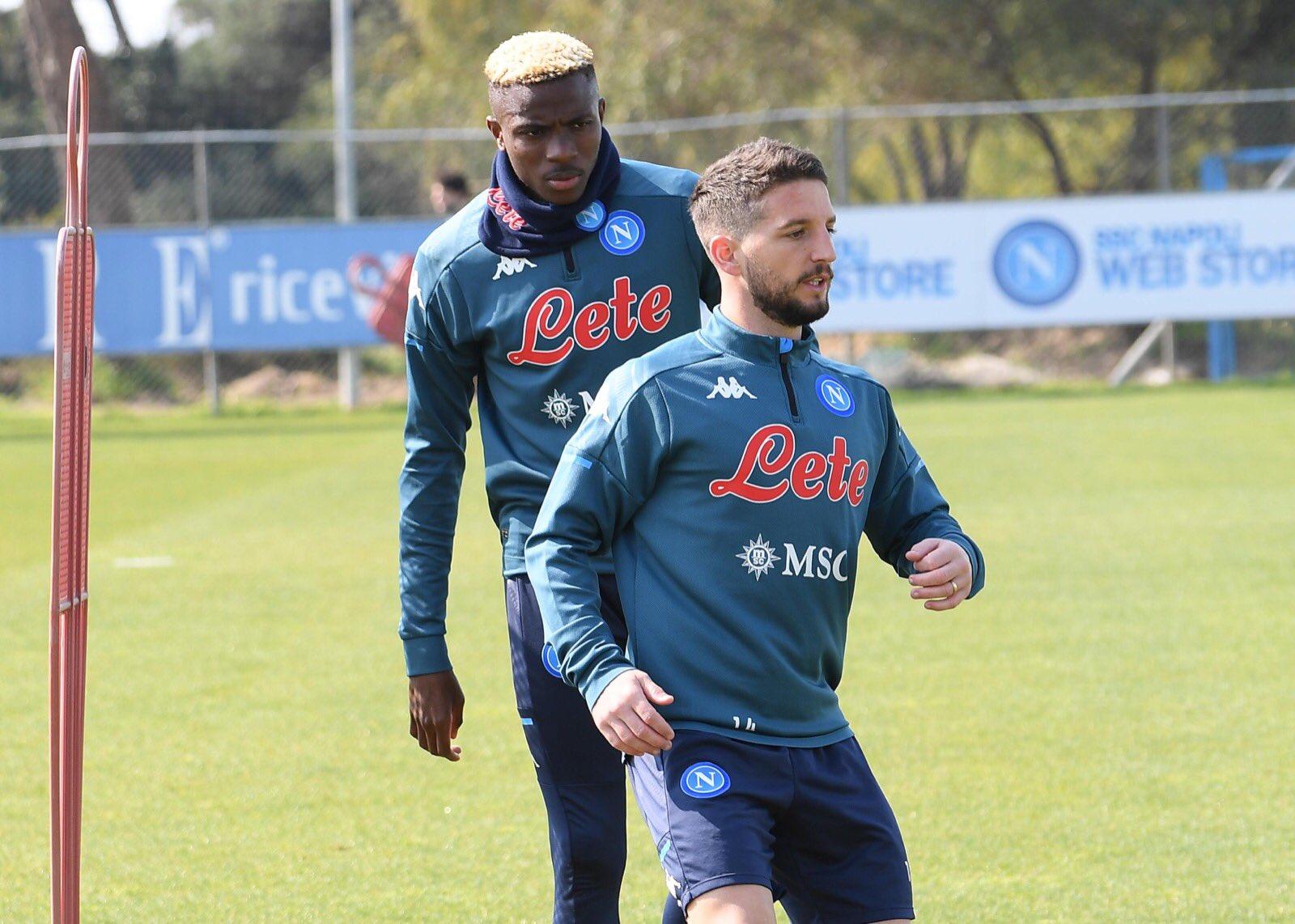 Mertens e Osimhen podem jogar juntos no Napoli?