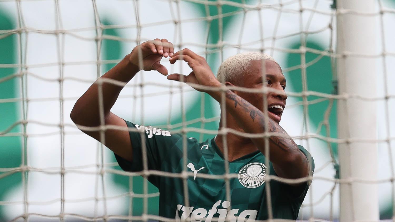 Danilo, uma boa dor de cabeça para Abel Ferreira no Palmeiras