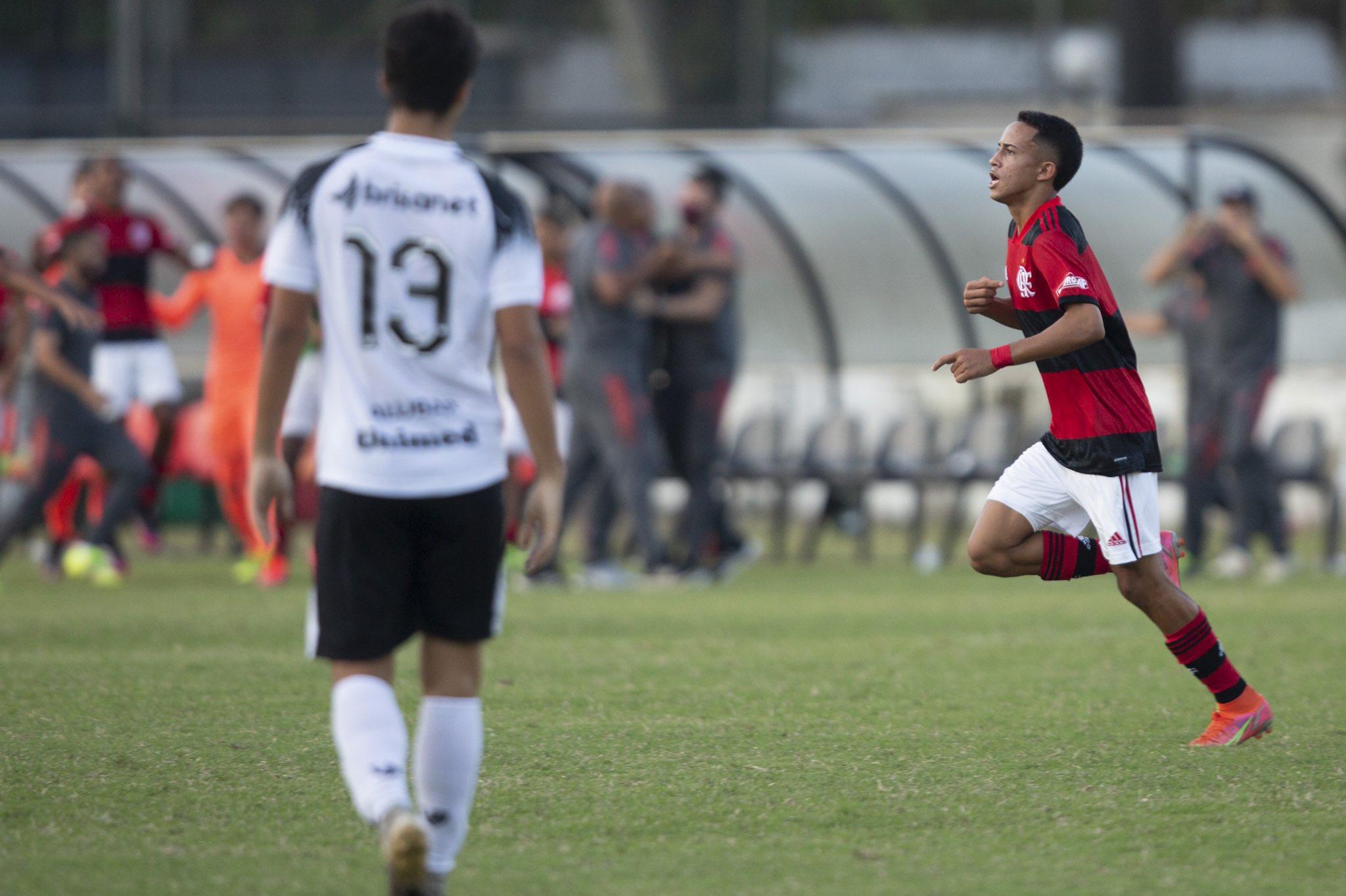 """A """"Geração 05"""" que começa a chamar a atenção no Brasileiro Sub-17"""